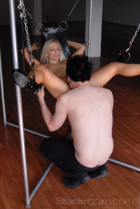 The Pig Sling allows a comfortable position and easy access to give and receive oral sex.